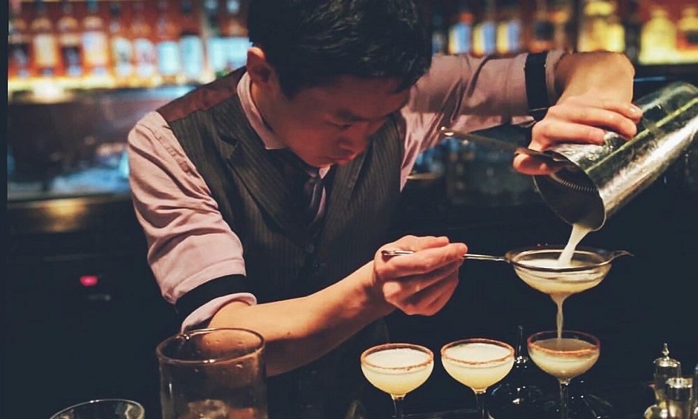 Manhattan Bar – Classic, Cordial and Charming